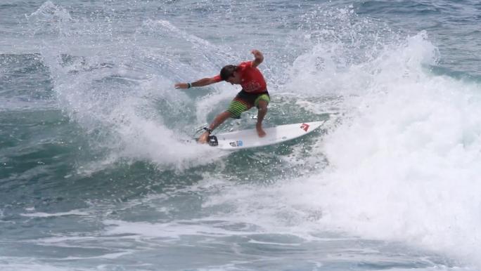 Alan Donato estreia forte em Martinique