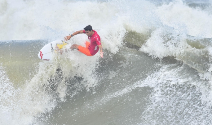 Gabriel Farias nas Quartas de Final do QS em Outer Banks