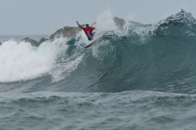 Douglas Silva no ISA Surfing Games