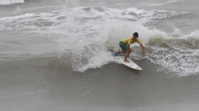 Diego Aguiar focado para etapas do Paulista e Brasileiro de Surf