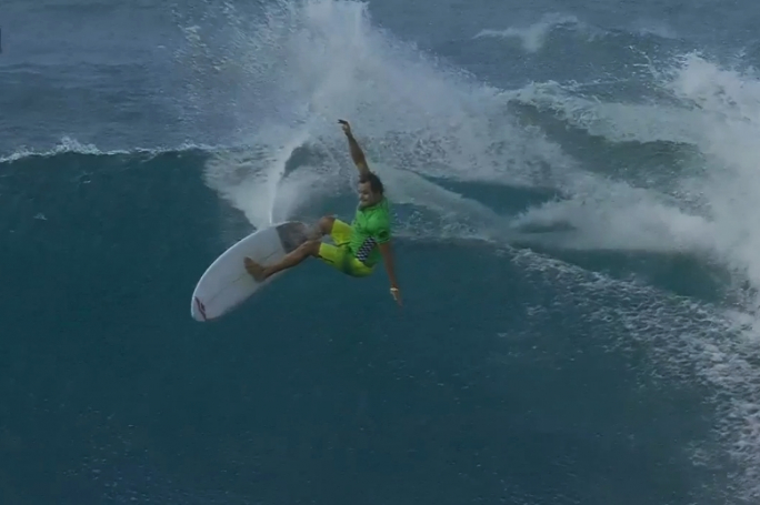 Luel Felipe avança mais um Round em Sunset Beach