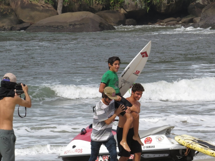 Diego Aguiar vence 3 categorias na 2ª etapa do Ubatuba Pro Surf