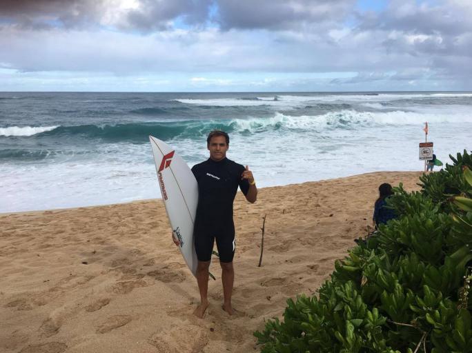 Luel Felipe pronto para o último QS de 2017 em Sunset Beach