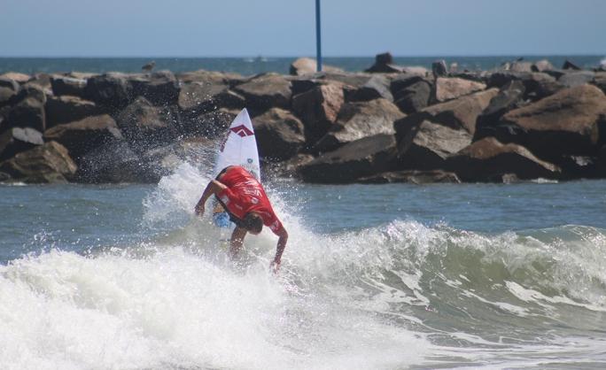 Luel Felipe fica em 9º no Vans Pro em Virginia Beach