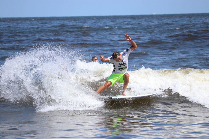Luel Felipe segue na briga pelo título na Vírginia