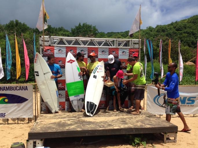 Seaway team Romero é vice campeão no Brasileiro Master Profissional em Noronha.