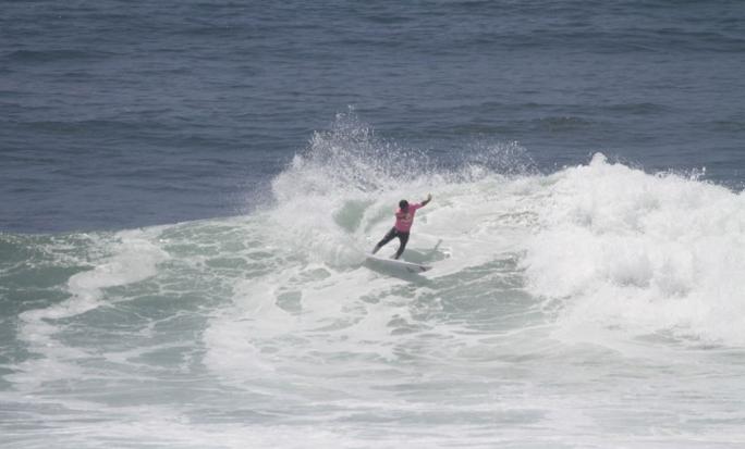 Alan Donato Avança no Panamericano de Surf no Peru