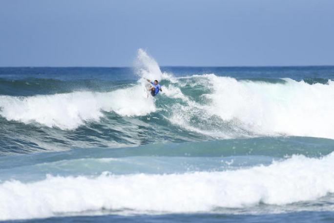 Luel Felipe pronto para o Vans Word Cup em Sunset Beach