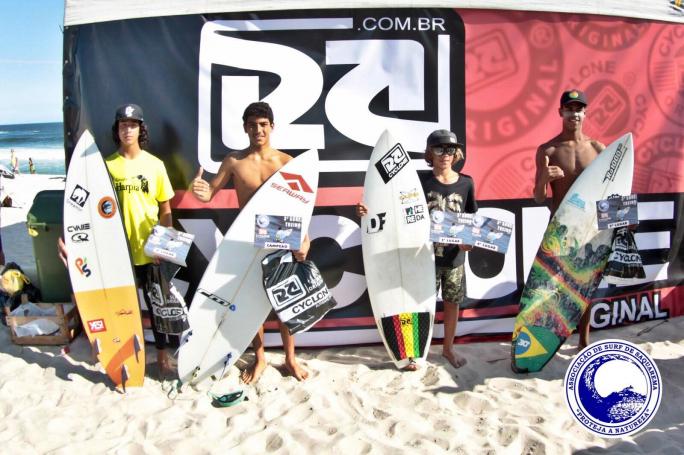 Valentin Neves campeão Mirim no 3º Surf Treino A.S.S
