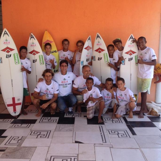 Seaway apoia o Núcleo Gustavo Aguiar a reiniciar a escolinha de surf em Maracaípe