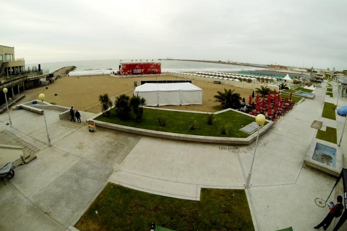 Dias Argentinos / Day 2 - Segundo dia de competição adiado em Mar Del Plata por falta de ondas.